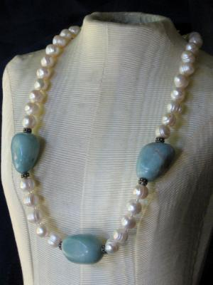 Pearl Necklace with Amazonite Chunks